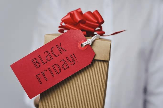 Nytt e-handelsrekord på Black Friday − lite mer blygsamt men stor framgång för veckan som helhet