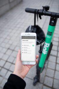 Bolt uppmuntrar till ansvarsfull användning av elsparkcyklar – lanserar nya verktyg i appen 3