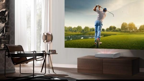 Skapa sportstämning hemma med Samsungs laserprojektor The Premiere
