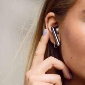 Sverigepremiär för hörlurarna Huawei FreeBuds 4